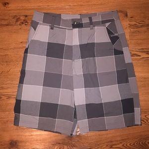 Men's Lululemon Shorts - Size 32